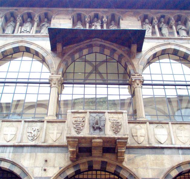 Piazza Mercanti loggia degli osii milan walking tour