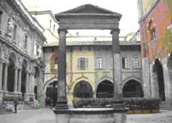 Piazza Mercanti milan walking tour
