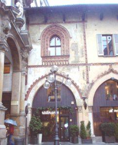 Piazza Mercanti palazzo dei notai milan walking tour