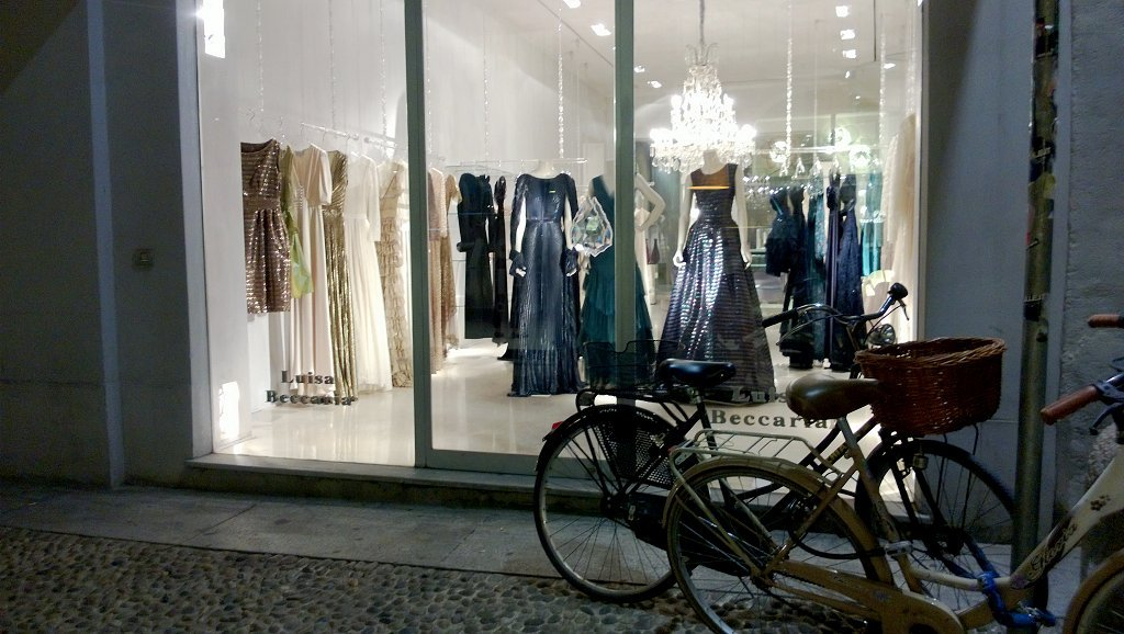milan shopping tour brera district